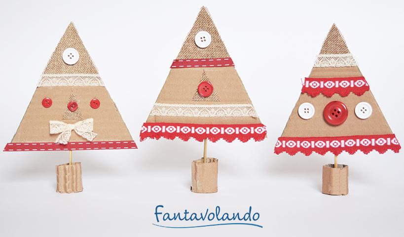 Lavoretti Di Natale Classe Seconda.Lavoretti Di Natale Alberi Con Il Cartoncino Di Recupero Fantavolando